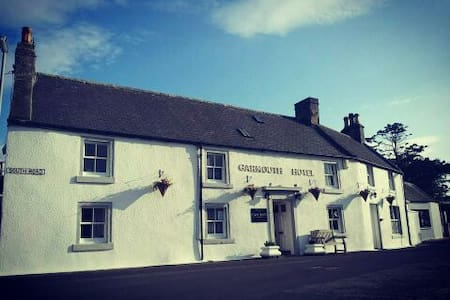 Garmouth Hotel - Speyside Village Pub. Double Room - Garmouth