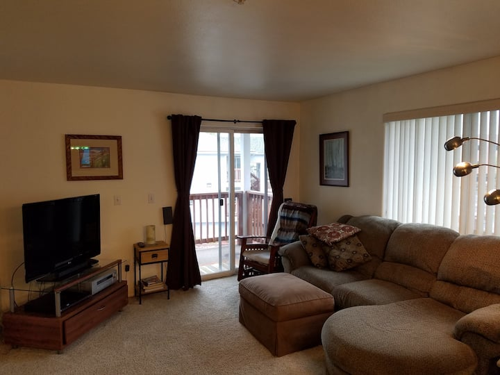Midtown Anchorage Condo near Campbell Creek