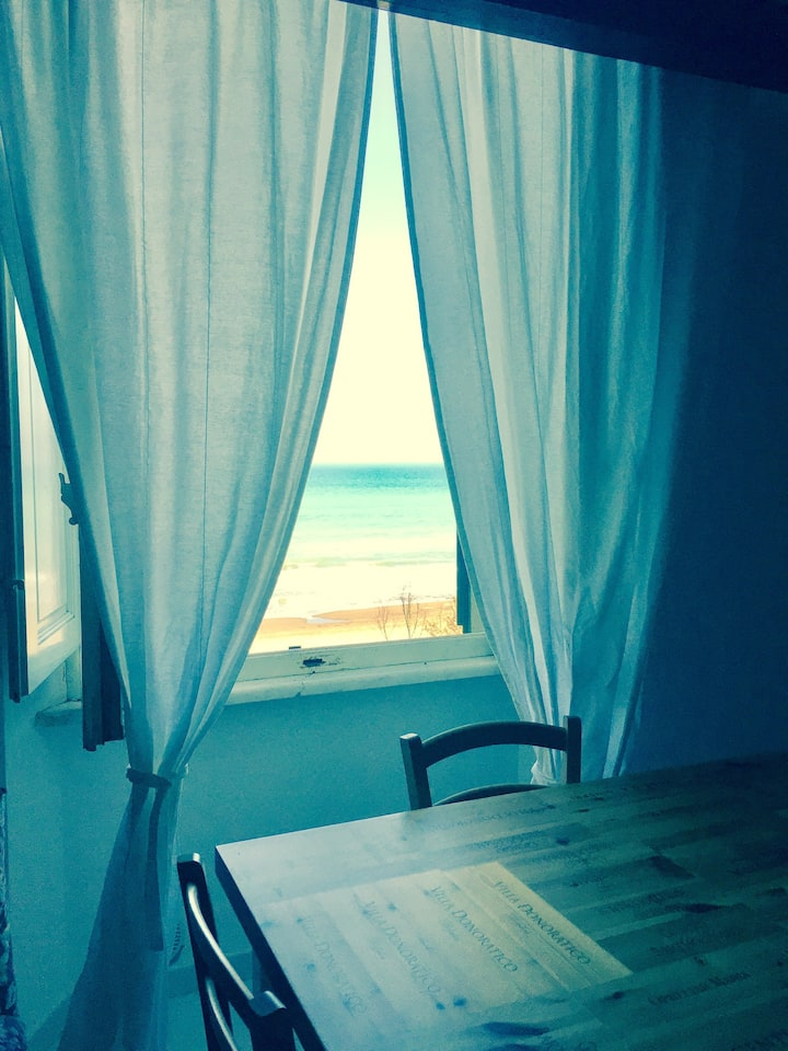 la tua Villa sul mare - Villa on the beach