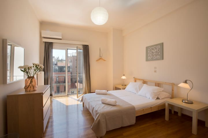 Athenian cool in the middle of everything! - Athina - Apartamento