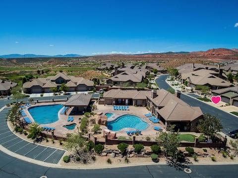 Coral Ridge Retreat- golf next door
