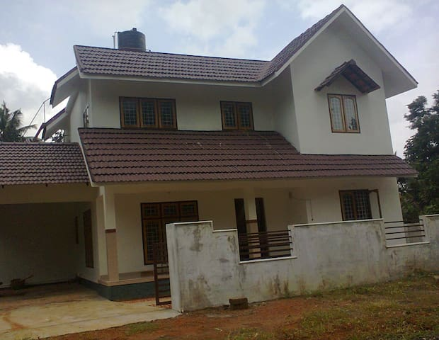 2 BHK Gated Compound, Vacation Rental Kottayam