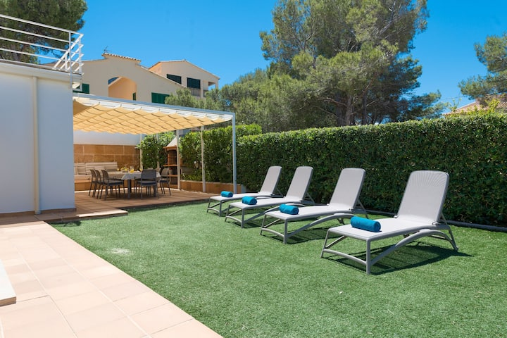 CAN ROIG (CALDES) - Chalet with private garden in Colonia de Sant Pere . Free WiFi