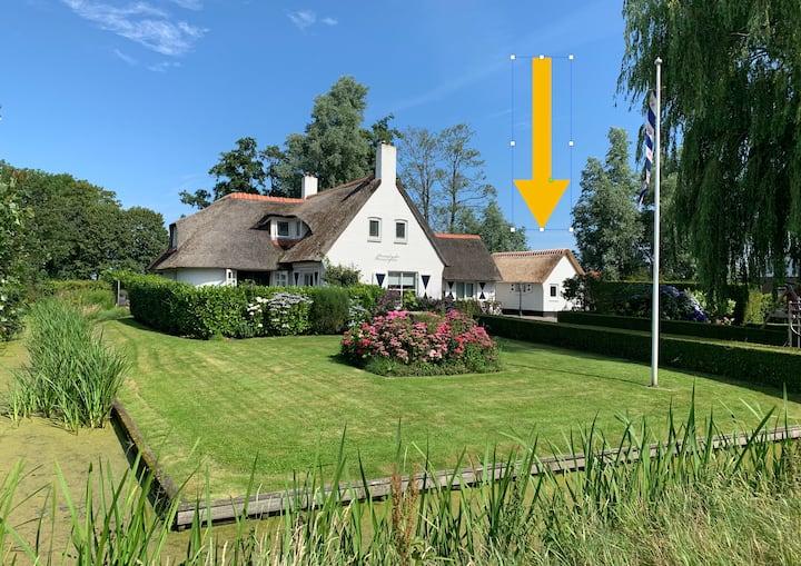 Tiny House bij het leukste dorp van Friesland