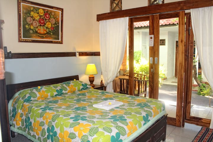 Double Deluxe Room in Sayang Hotel Kuta