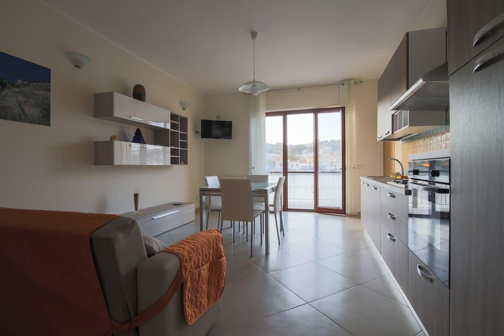 Nuovissimo appartamento con bella vista sul lago for Appartamento sul lago