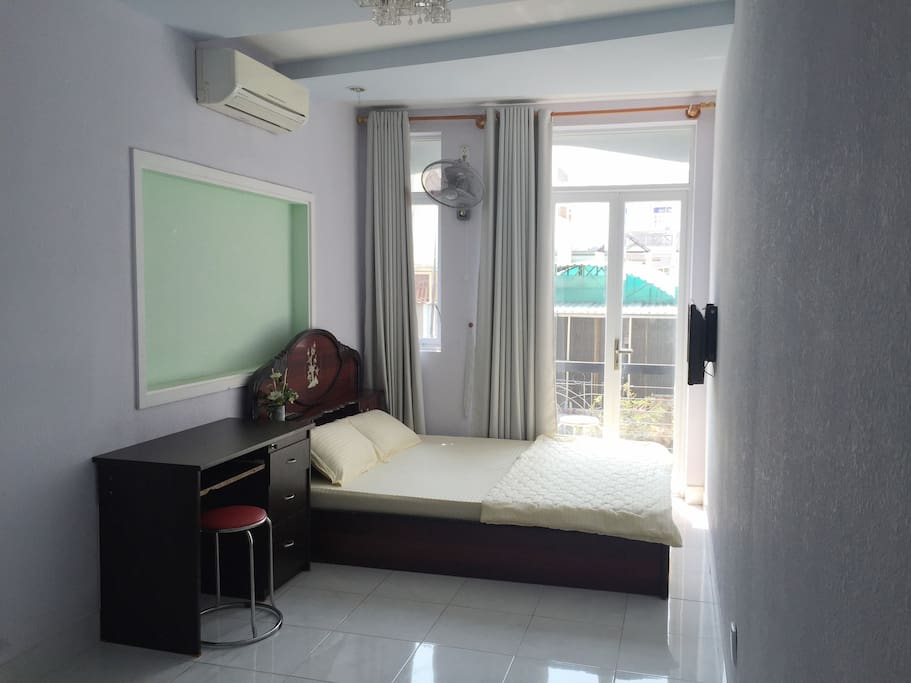 ROOM 3O1 - Small balcony and private bathroom (Normal Double room)