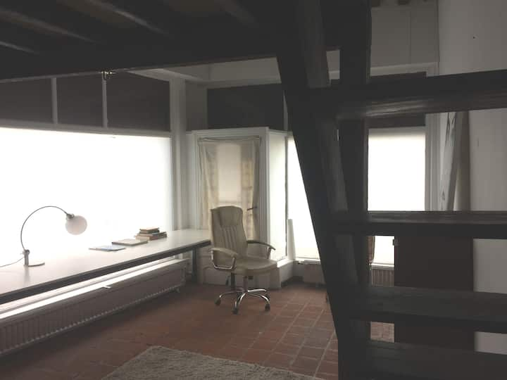 Ground level room in historic city centre,..