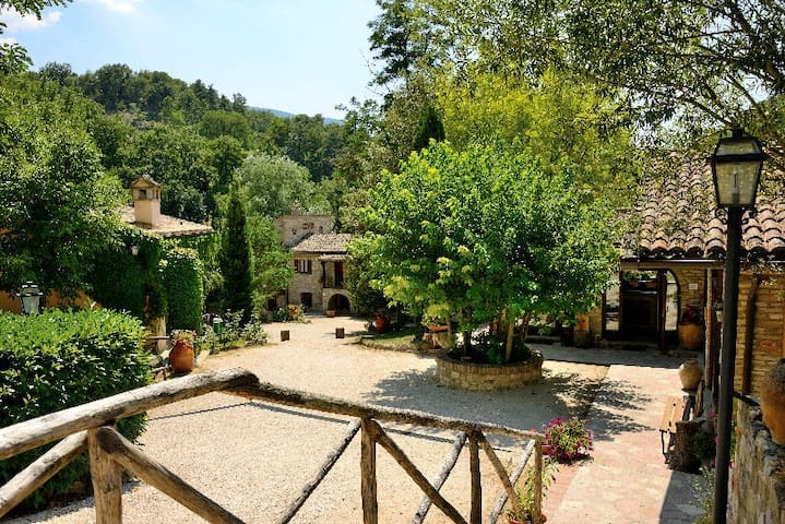 Apartments Umbrian countryside 2 people - Pian della Pieve - Daire
