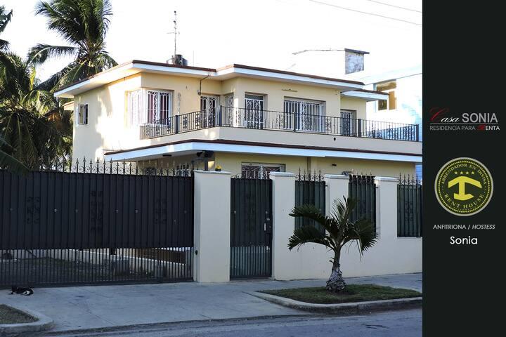 "Casa en la zona comercial ""Copa"" de Miramar - La Habana - Huis"