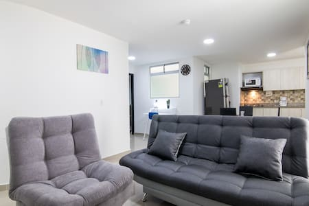 2/1 Parque Sabaneta Modern Apartment by HOUSY HOST