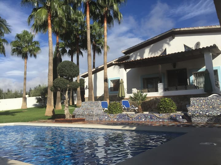 Stunning villa with large pool and great views
