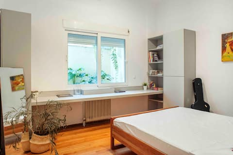 Stay in the heart of Athens Bohemian Apartment