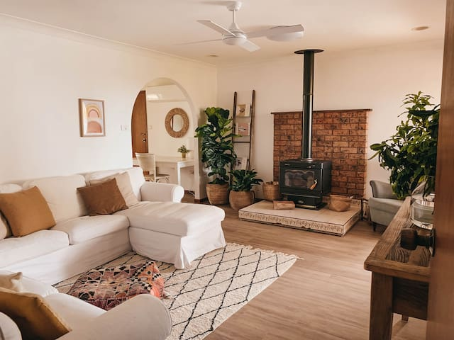Cosy Cooranbong Cottage