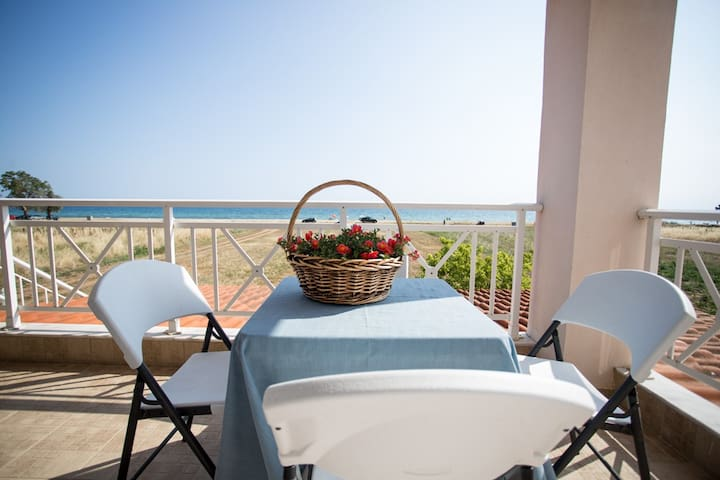 """By the Sea 2"" Seaside family Appartments - Paralia Dionisiou - Lejlighed"
