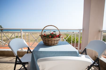 """By the Sea 2"" Seaside family Appartments - Paralia Dionisiou"