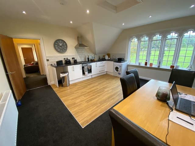 East Cowes - Grade two listed flat