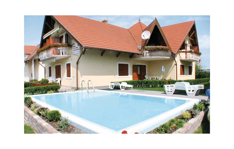 Holiday apartment with 2 bedrooms on 55m² in Balatonmáriafürdö