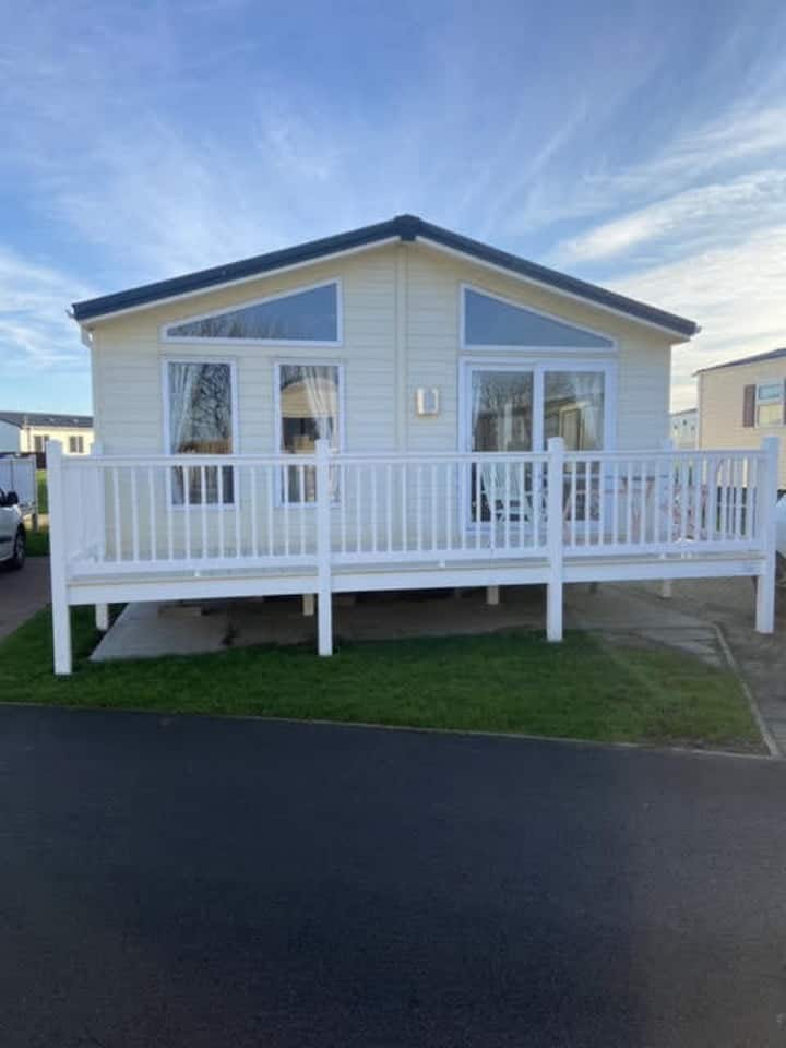 Impeccable 2-Bed Lodge in Whitley Bay
