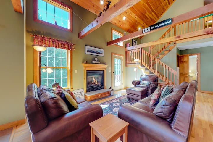 Dog-friendly home w/ outdoor fire & private hot tub - near skiing!