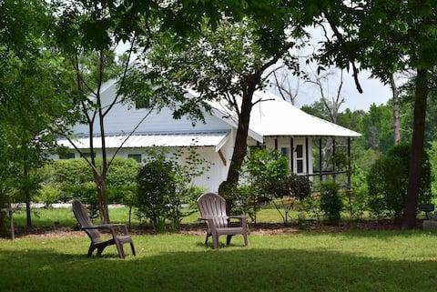Huguenot Cottage 3 bdrm 2 bath 1200 sq. ft.