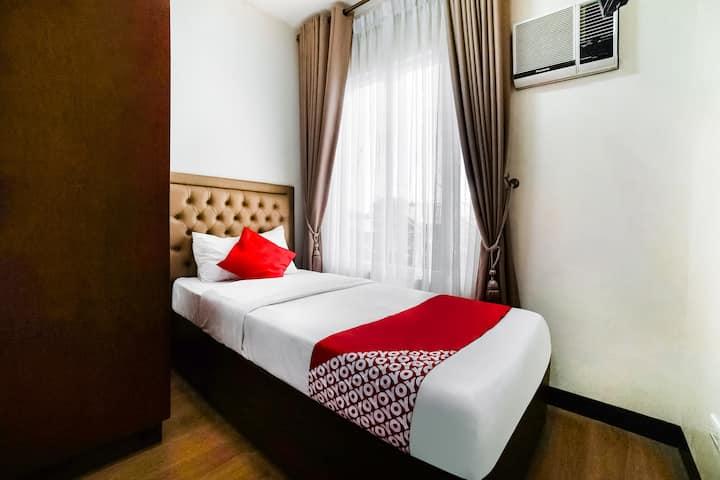 Standard Single Stay@Sakura Suites