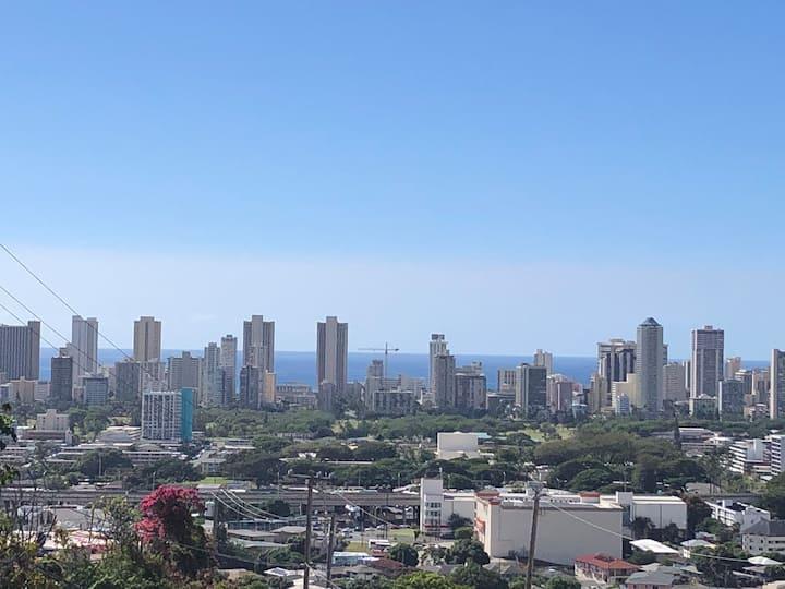 Studio overlooking Waikiki