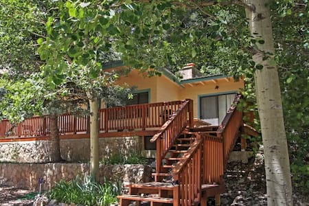 Charming 2BR Cloudcroft Cabin w/Forest Views! - Mayhill