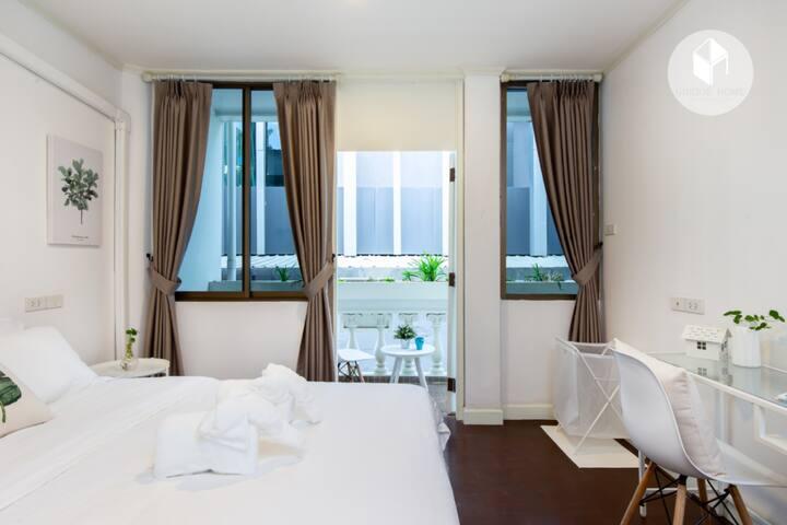 Comfortable Private Bedroom @Nana Asok