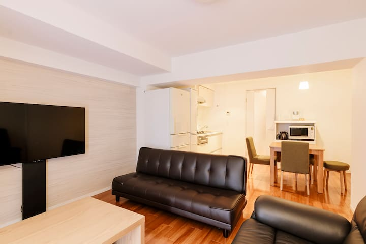 Spacious Apt! Easy access to Tokyo's main spots!