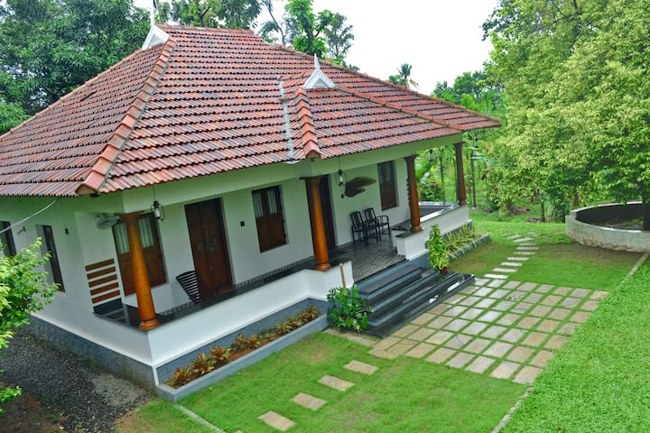 Pete's Inn Homestay, Near Cochin airport