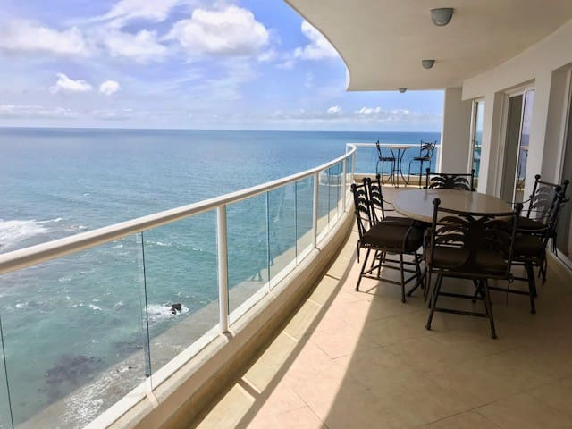 Huge Balcony On Ocean Condo La Palma