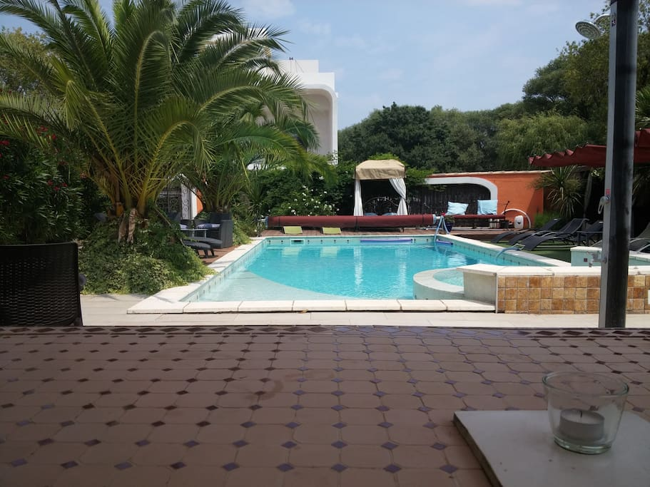 G te les aresquiers 3 personnes apartments for rent in for Piscine center montpellier