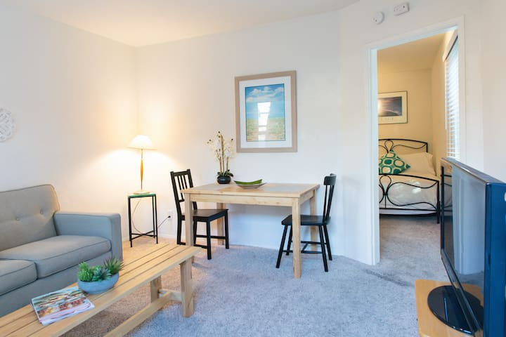 CDM Condo - Steps from the Ocean!