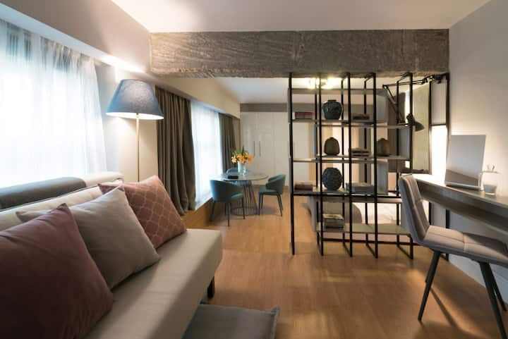 Loft · Luxury Loft with Roof Garden Jacuzzi,AcropolisView