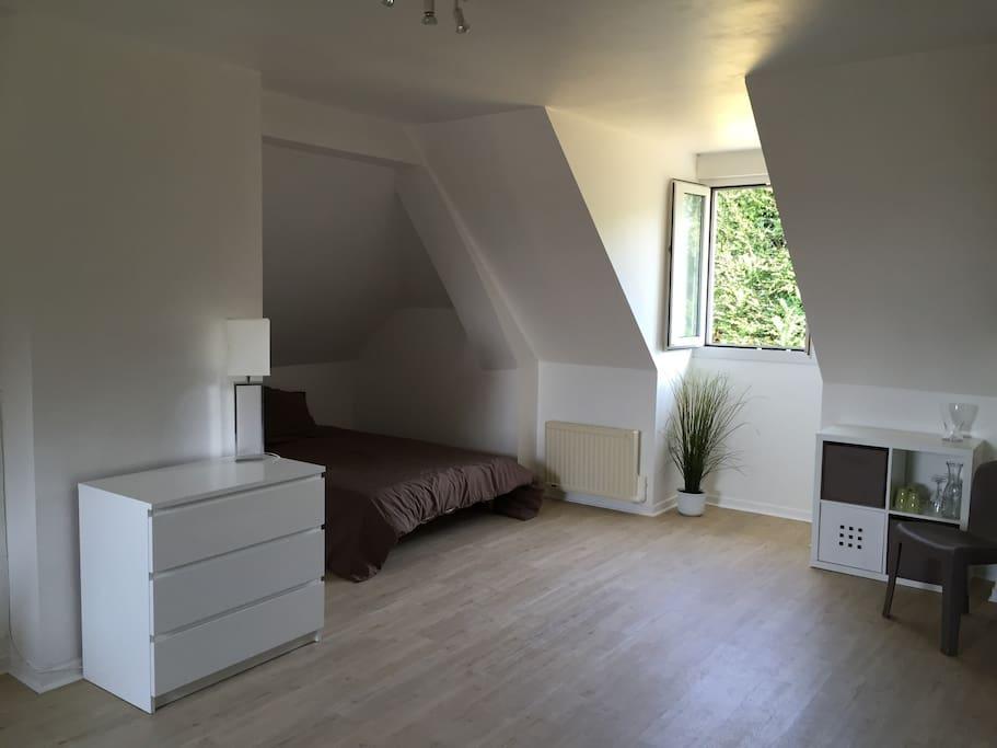 studio 30 m2 caen proche m morial wi fi appartements louer saint germain la blanche herbe. Black Bedroom Furniture Sets. Home Design Ideas