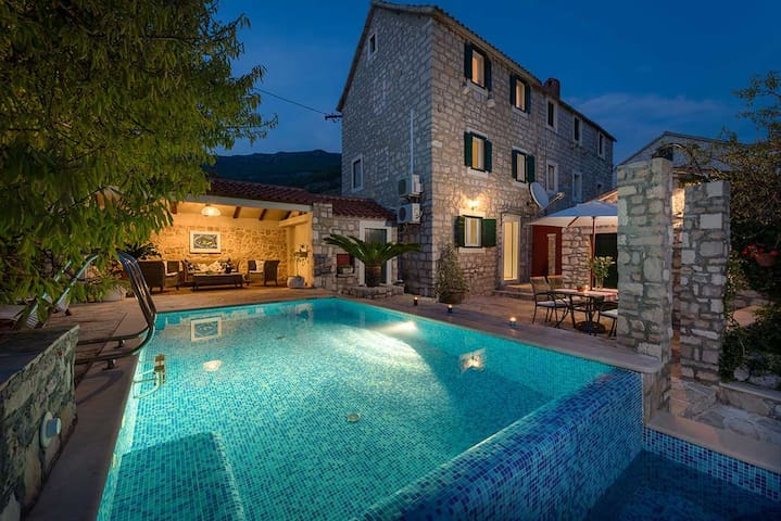 Luxury Villa Sea Side Bol with private pool near the centre of town of Bol - Brac