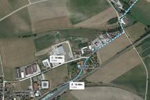 Der Fußweg zum Bahnhof Dombühl