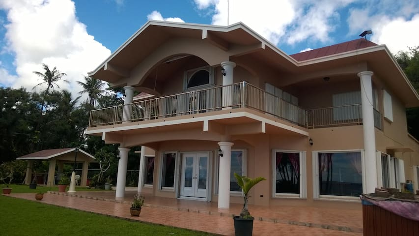 Luxury Home By the Sea - Santa Rita - Talo