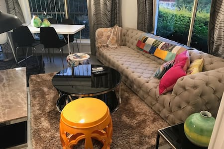 Lux 1BR Close to City/beach/airport/train station - Арнклифф - Дом