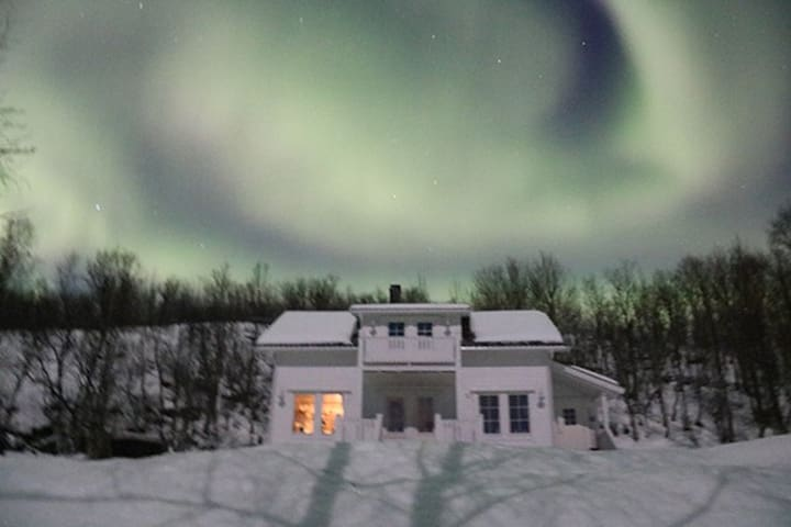 Charming country house for Aurora - Tromsø - キャビン