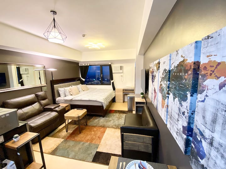 Johnex Aspira Ultra Luxury Condo w/Super King Bed