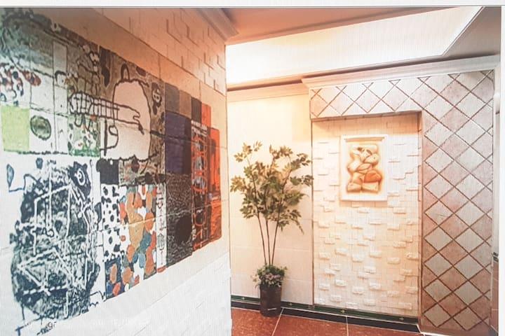 신논현역 1분거리 여성전용 개인실 나홀로 여성들의 따뜻하고 아늑한 공간 WOMEN ONLY