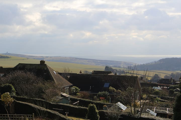 East Dean B&B with sea views in the South Downs