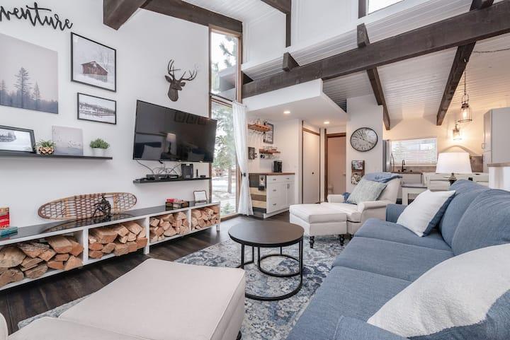 Comfy Modern Condo - Steps to Village & Gondola