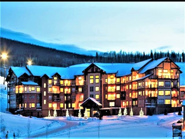 Grandby Gray Moose Retreat; Winter Park;Ski-in/Out