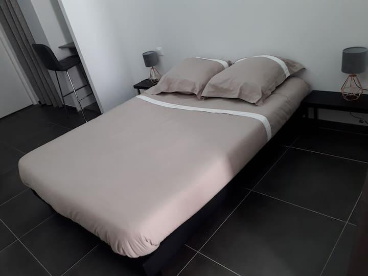 Logement neuf de 40 m², équipé et confortable