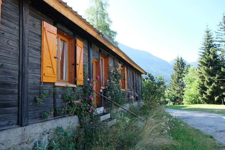 Grand chalet charmant et confortable en Belledonne