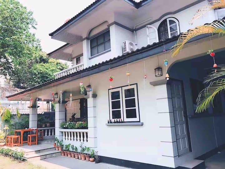 清迈市中心暹罗小姐的屋/免费接送机,保姆服务/含早餐/