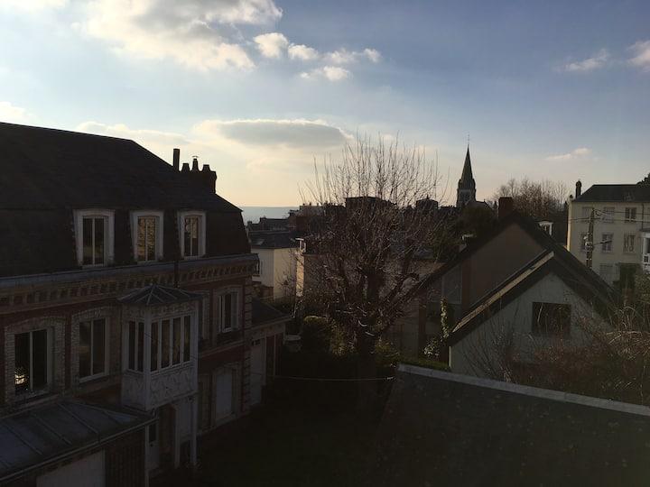 L'ÉCURIE  10 min à pied  Maison Rouen 8 à 10 pers